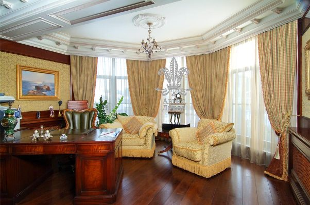 classic-curtains-in-interior-design-home-office-photo